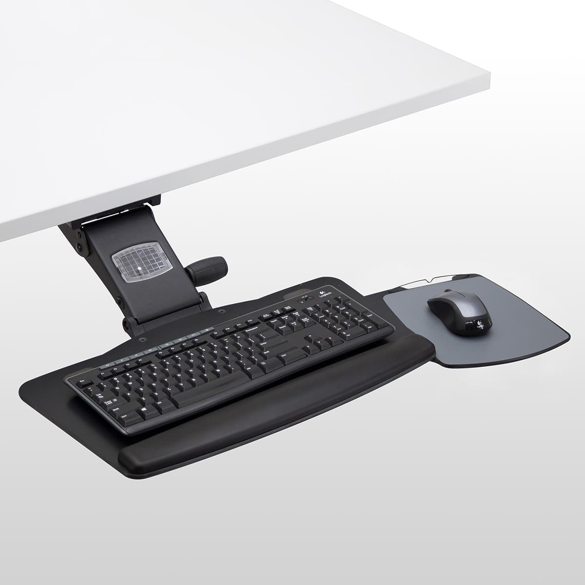 Leader2-Mouse-Tray-Out